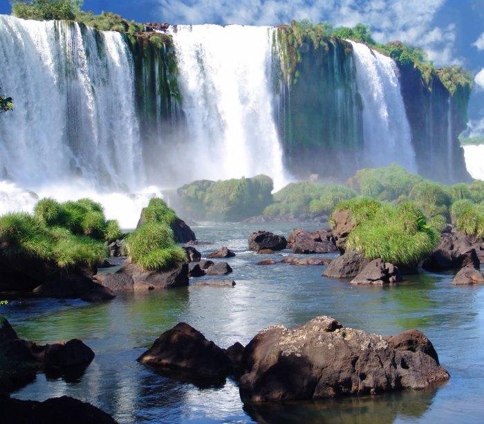 Cataratas de Iguazú entre Argentina y Brasil